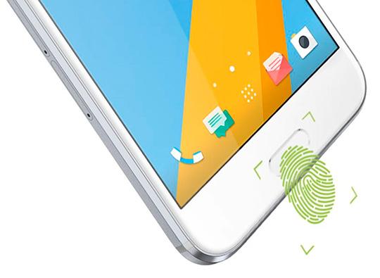 В Российской Федерации стартовали продажи водонепроницаемого телефона HTC
