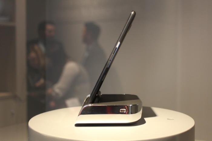 HPпоказала улучшенный Elite x3 наWindows 10 Mobile
